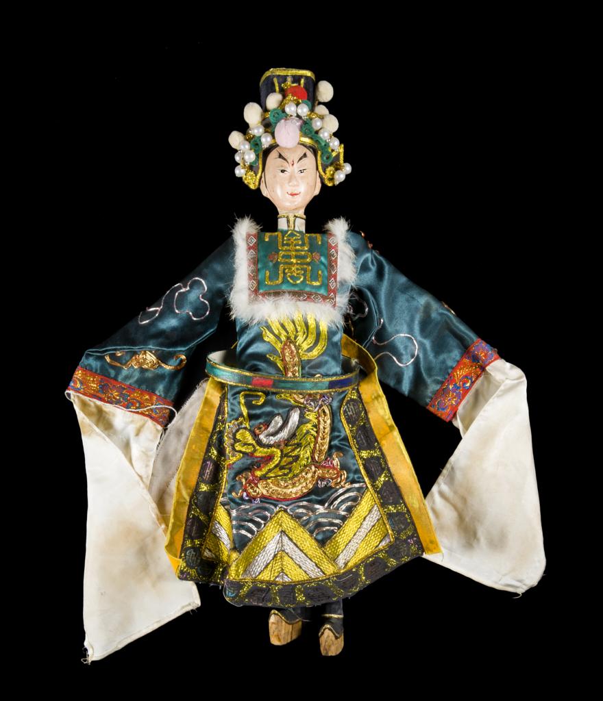Figura 7, burattino della Collezione Signorelli, raffigurante Jia Baoyu, ragazzo di giada, anni '40 del XX sec. © Primangeli