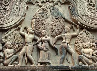 th-Fronton_Cambodge_Musee_Guimet_9972